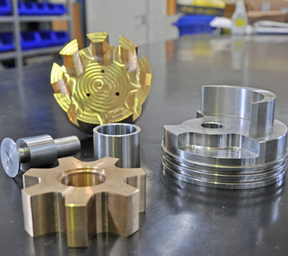 Small size metal machining - ORATECH